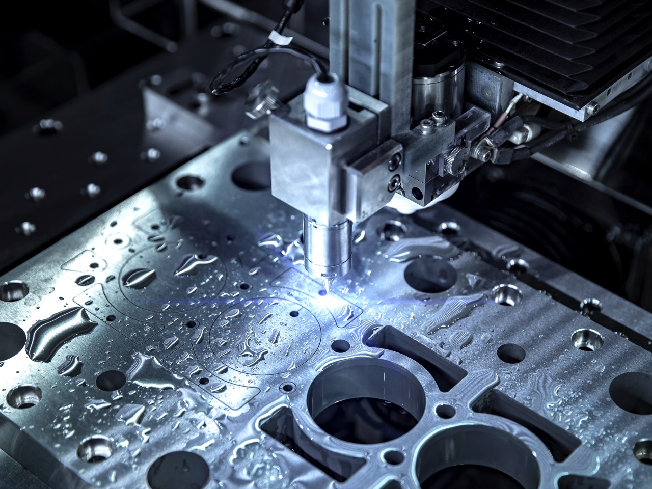 Reasons to Consider Water Jet Cutting Services for Your Next Project